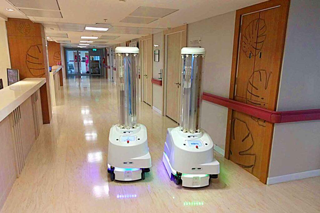 ربات یو وی باکتری کش در بیمارستان + ازمایشگاه درمان دکتر
