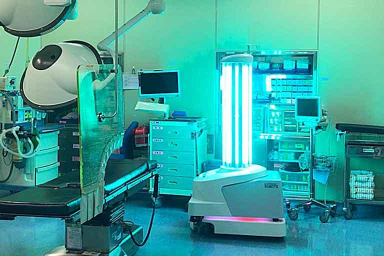 ربات ک میکروبها را در بیمارستان می کشد+مدیریت